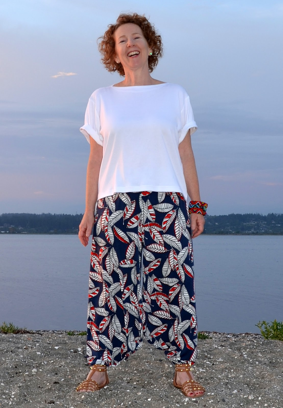 HAREM PANTS : : VOGUE PATTERN V1355 : : STRETCH & SEW 333 T SHIRT